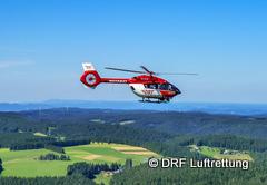 Archivbild Christoph 11 fliegt zu einem Einsatz-240