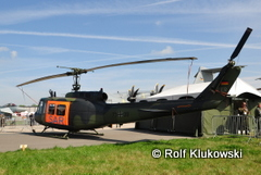 RK02 BW_Bell UH-002
