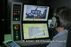 adac-se_luftfahrt_20170321_instructor_operating_station-240